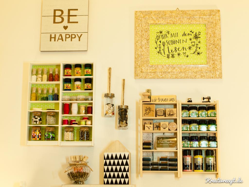 Wanddekoration mit viel Stauraum: Mini Ivar und Mini Billy Regale