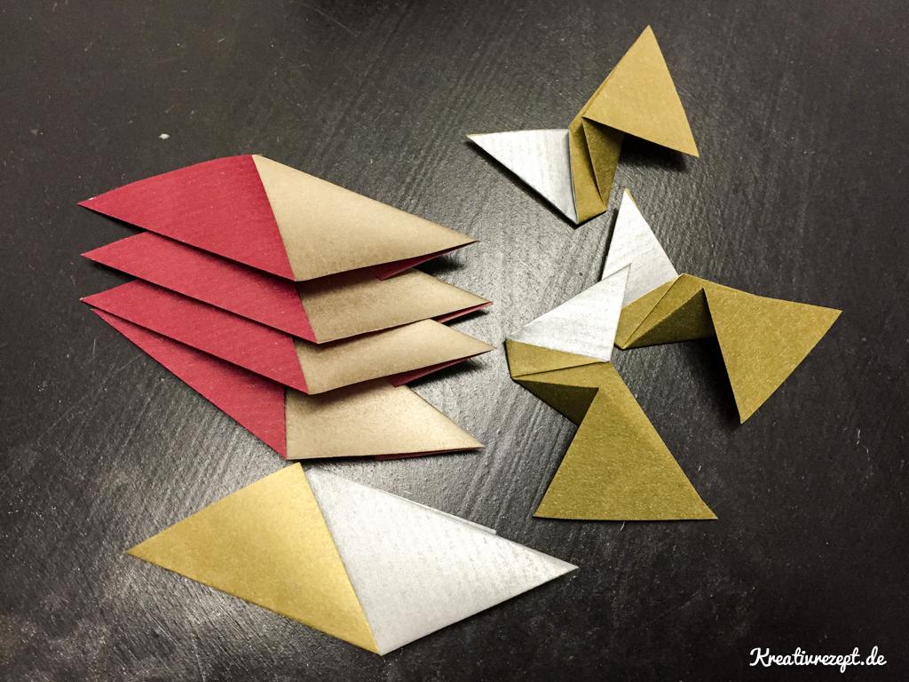 Einzelteile eines Origami-Sterns
