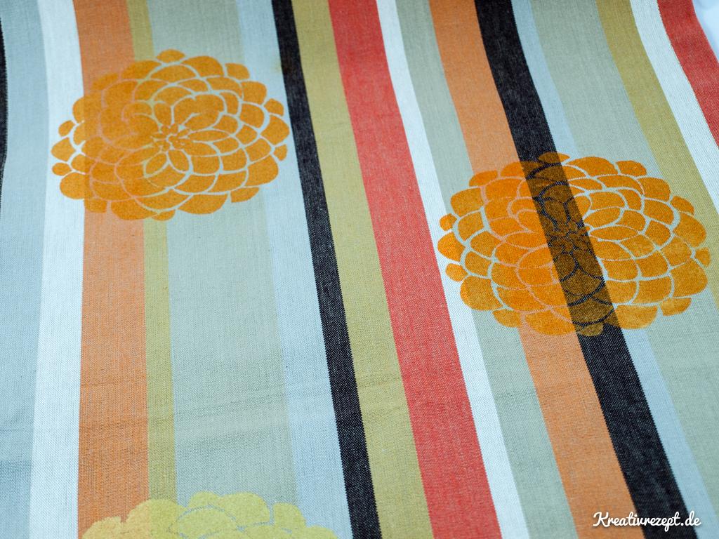 Bedruckter Tischläufer mit Farbverlauf in Orange und Gold